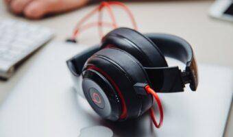 best noise cancelling headphones for transcription